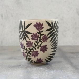 gobelet loup feuillage et fleurs violettes