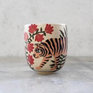 Gobelet en grès motif tigre