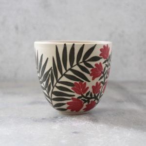 gobelet paresseux feuillage et fleurs rouge