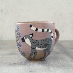 Tasse en grès illustrée à la main lémurien