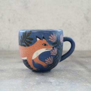 Tasse renard roux bleu nuit et fleurs